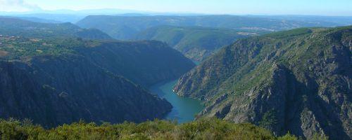 Der Fluss Sil in der Provinz Ourense