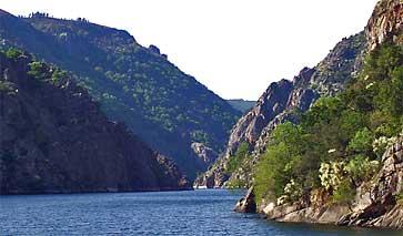 Flusslauf des Sil in Ourense