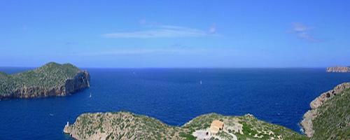 Bucht und Hafeneinfahrt auf Cabrera