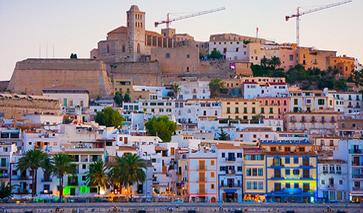 Blick auf die Altstadt von Ibiza-Stadt