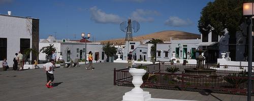 Die Plaza im Ort Teguise