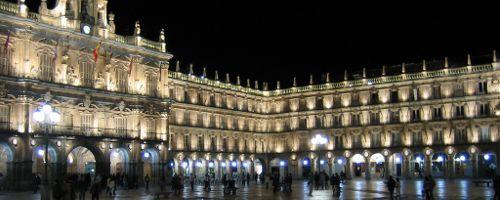Die Plaza Mayor in Salamanca bei Nacht
