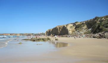 Steilküste an der Playa de la Fuente de Gallo bei Conil